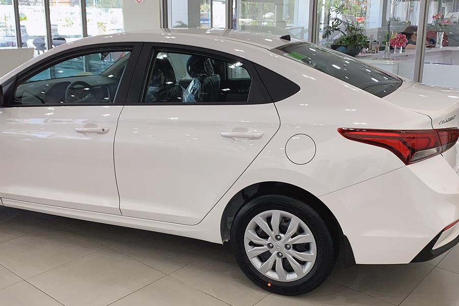 Ngoại thất Hyundai Accent 1.4 AT Đặc Biệt - Hình 10