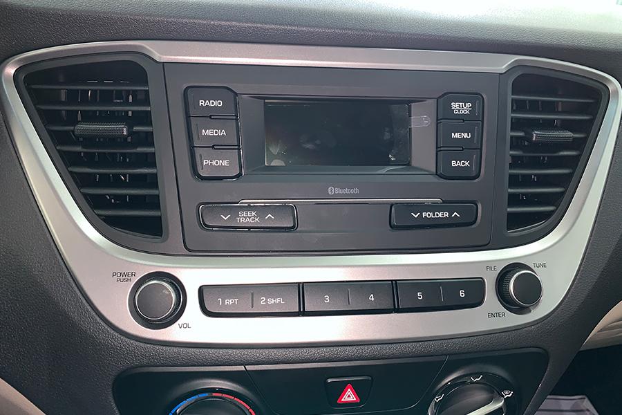 Nội thất Hyundai Accent 1.4 AT Đặc Biệt - Hình 7